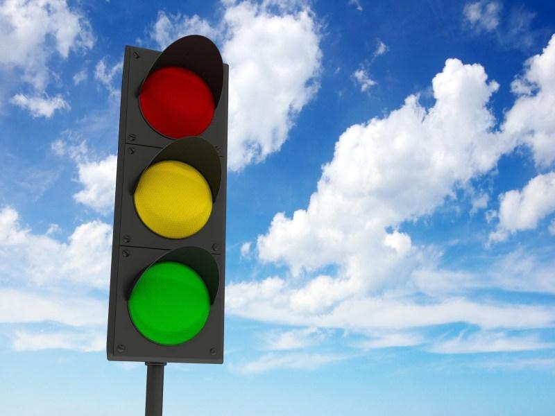 В школе – строгий светофор!